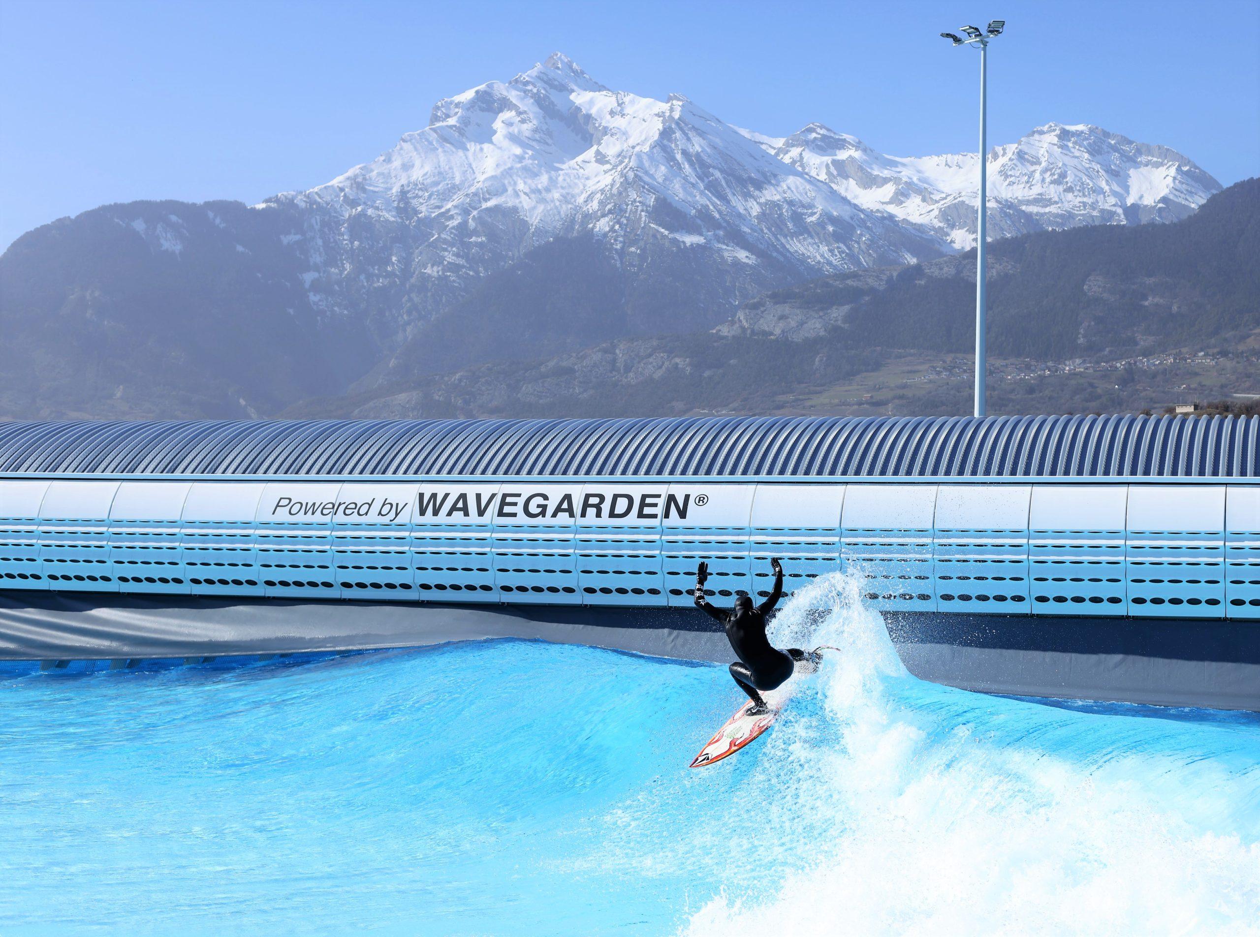 Wavegarden Surfing in Swiss Alps